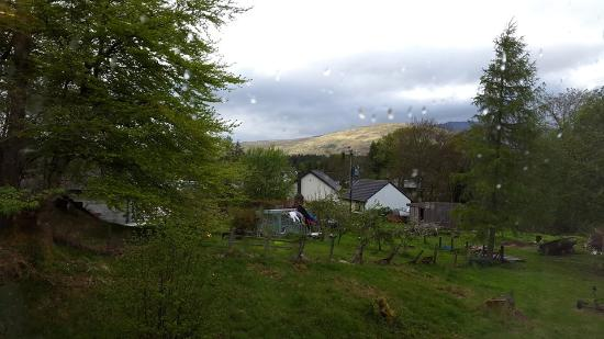 Thistle Cottage: Rainy Fort William