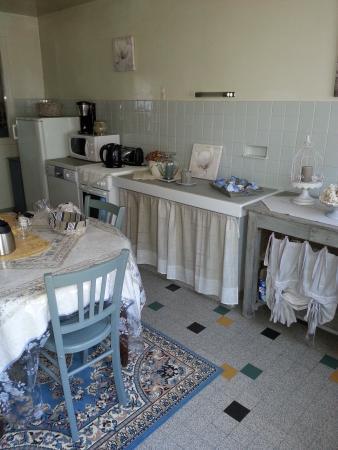 Chambres la Vallée : cuisine non utilisable pour diner