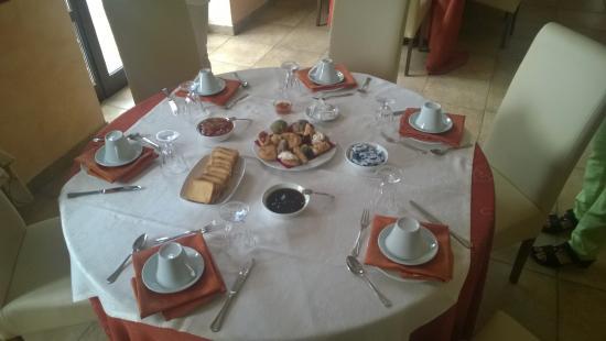 Agriturismo Tenuta di Bellaprima: Erstes Frühstück