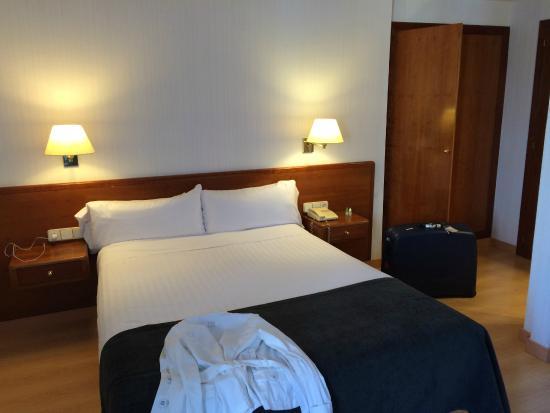 Hotel Ultonia Girona: CAMERA