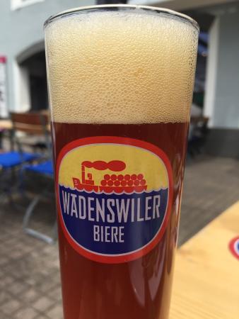 Waedenswil, Switzerland: Spring 2015 Seasonal beer: Red-Peach-Beer