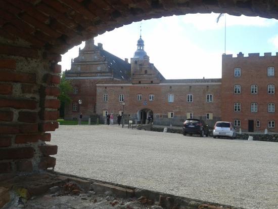 Gudme, Denemarken: Broholm Slot