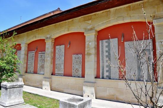 Artefacts in the garden - Sinop Arkeoloji Müzesi, Sinop ...