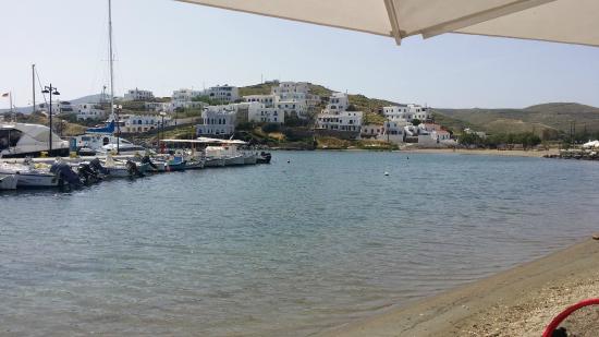 Kythnos Bay Hotel : Loutra bay