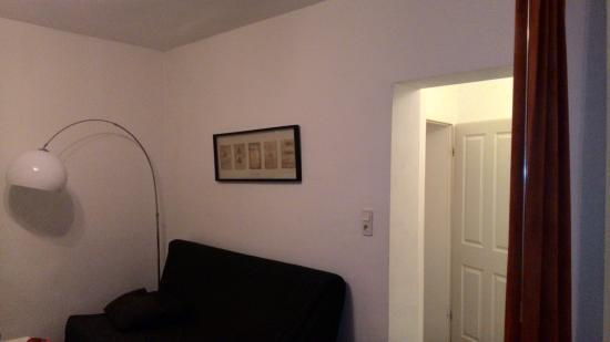 B! Apartments: Livingroom