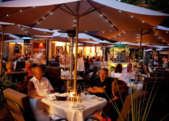 Restaurant St Sauveur Des Monts