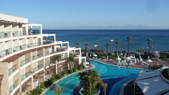 Paloma Pasha Resort: Prolongement de l'aile de notre chambre.