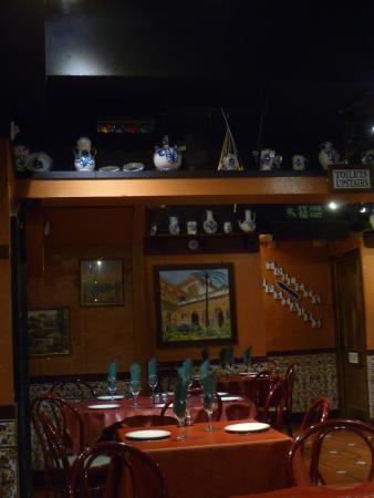 Don Fernando's: Restaurant interior
