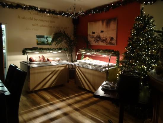 Quackers Restaurant: Our very famous Sunday Carvery 12 - 3pm and 5 - 8 pm every Sunday