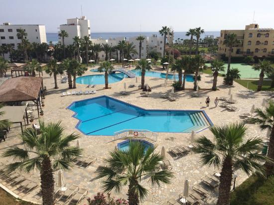 Papantonia Hotel Apartments: Really nice place to stay & some beautiful beaches close by