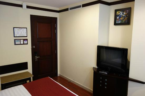 Asian Ruby Luxury Hotel: Zimmer
