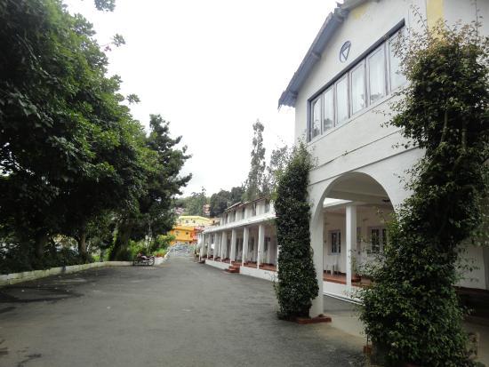 YWCA Anandagiri Holiday Home : Main Building - Reception Area