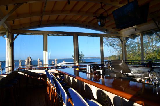 Castle Hill Inn The Bayside Bar