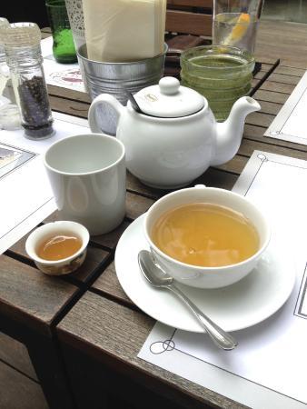 Brasserie: Chai with honey