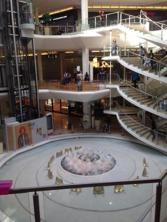 La Part-Dieu Shopping Center: Pfingstmontag 2015 im Shopping