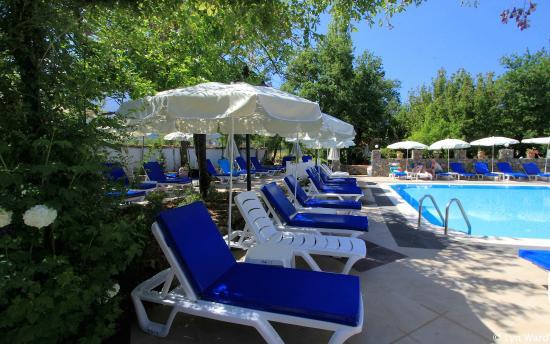 Yakamoz Hotel: New poolside terrace
