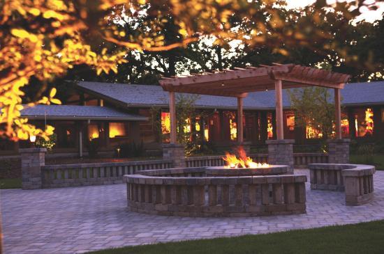 Delavan, WI: Courtyard Firepit
