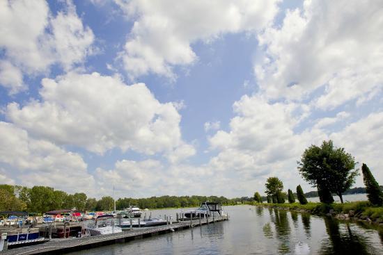 Lake Lawn Resort has a full service Marina with temporary and seasonal slip rentals, gas & more.