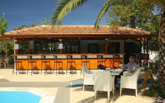 Yakamoz Hotel: New poolside bar