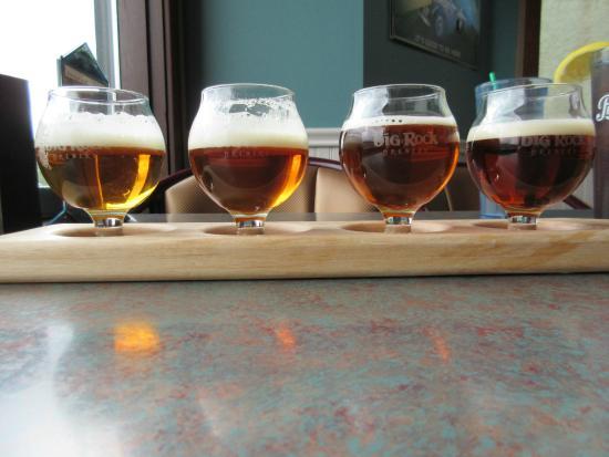 Turtle Bay Pub: Beer flight