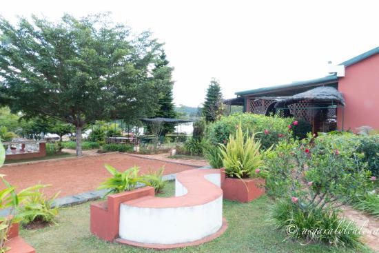 Mantasoa Lodge: jardin