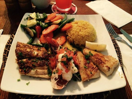 Cafe Breeze: Lobster and Seafood Combo