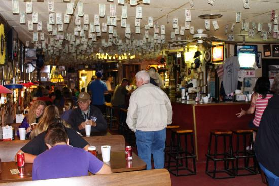Guy & Mae's Tavern: Inside of Guy and Mae's