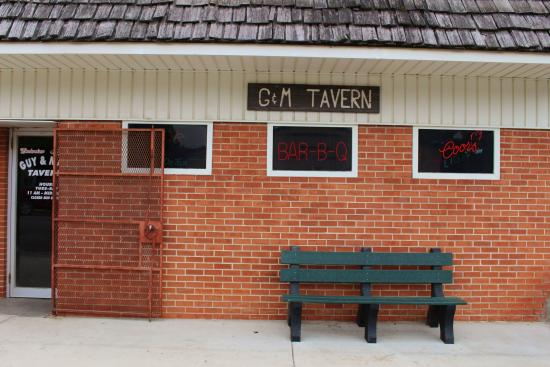 Guy & Mae's Tavern: Outside of Guy and Mae's