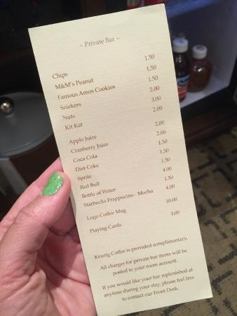 Hotel Vista Del Mar: Price list for room drinks/snacks