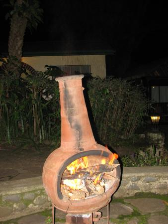 Mount Meru Game Lodge & Sanctuary: Special fire for evening meal