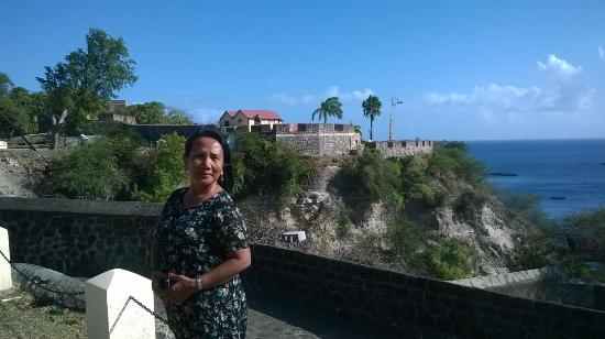Golden Era Hotel: The historical ( colonial ) fort in Statia.