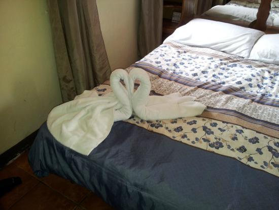 Hemingway Inn: Towel animals