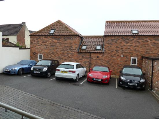 Advocate Arms Hotel: Car parking