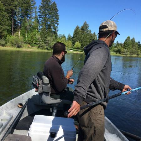 Bigfork Anglers : Pulling one in