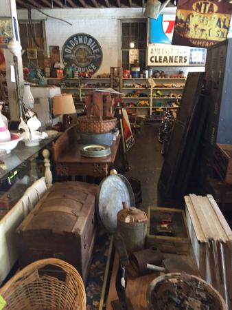 Amherst, Virginie : Warehouse Antiques