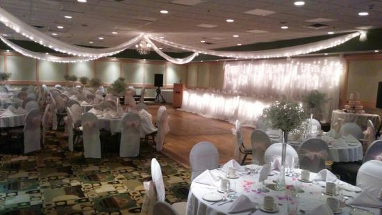 Rosewood Banquet Hall Wedding Event Picture Of Clarion Lakeside