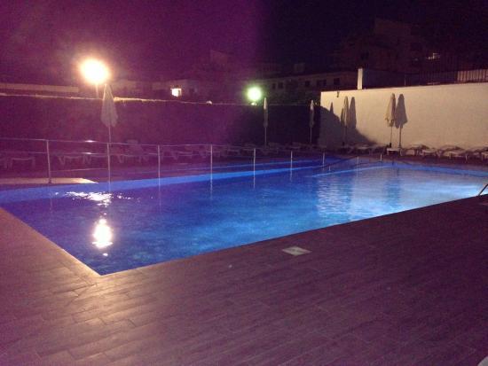 Blue Sea La Pinta: Pool by night