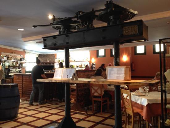 Hotel Villa de Elciego: Great bar and food