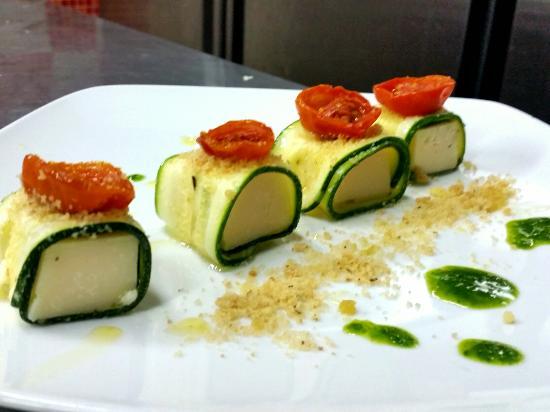 Amuse-Bouche :Zucchina Marinata al Limone con Cubo di Parmigiano ...