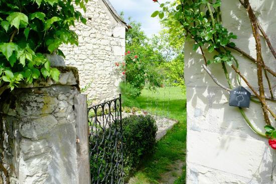 Le Clos de la Garde: Zugang Garten