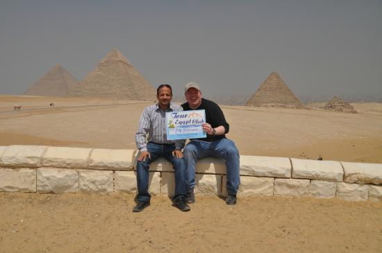 Tour Egypt Club - Private Day Tours: Naser, the Pyramids and me