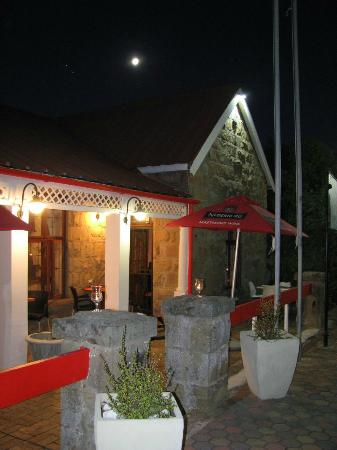 Villa Point Restaurant: Full Moon over the Villa