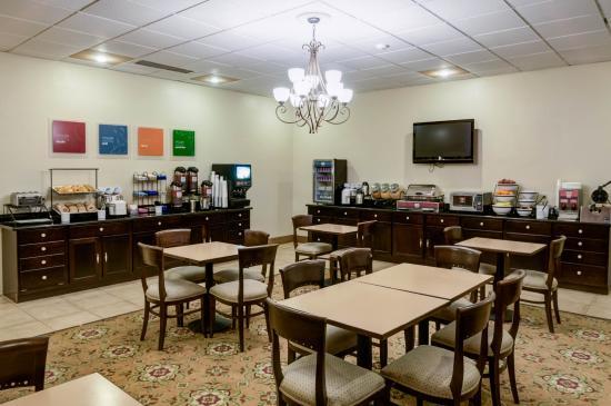 Comfort Inn Santa Rosa: Breakfast Room