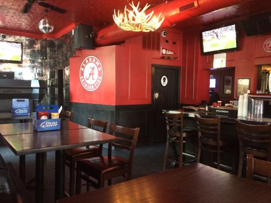 Houndstooth Saloon: Roll Tide!