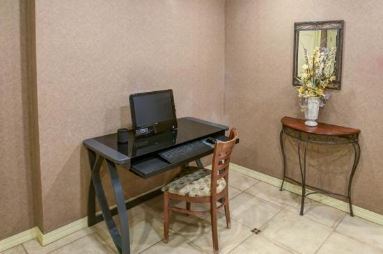 Comfort Inn Santa Rosa: Business Center