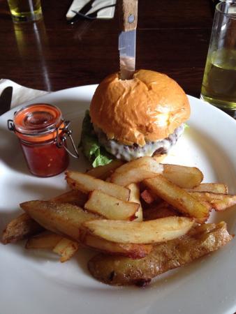 Dining at the Brigands Inn: photo0.jpg