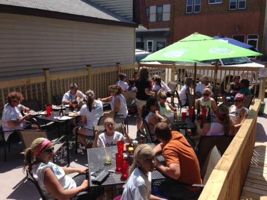 Osakis, MN: Popular Outdoor Dining at OTown!