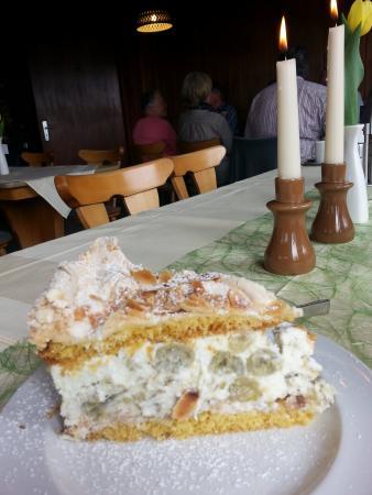 Hausen, Germany: Stachelbeer Torte...Gooseberry Torte