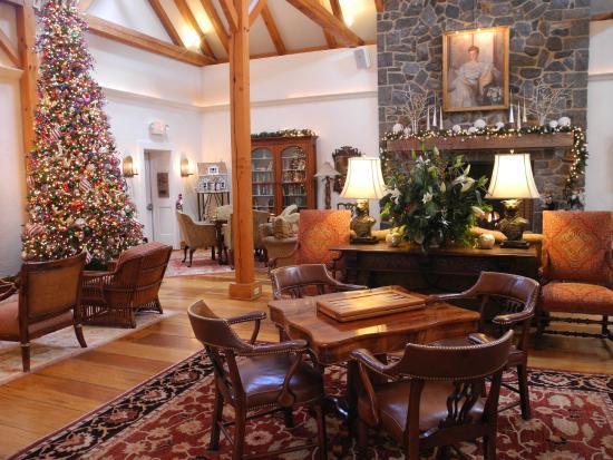 Inn at Montchanin Village : Main Lodge at Christmas