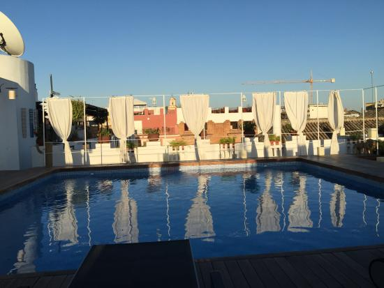 Rooftop swimming pool picture of hotel fontecruz sevilla - Swimming pool seville ...